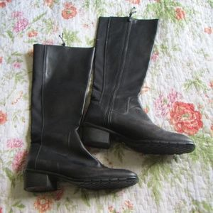 Donald Pliner Sport Square Toe Leather Boots